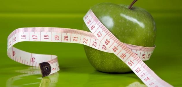 كم عدد السعرات الحرارية في التفاحة لل3 انواع الأحمر والأخضر والاصفر