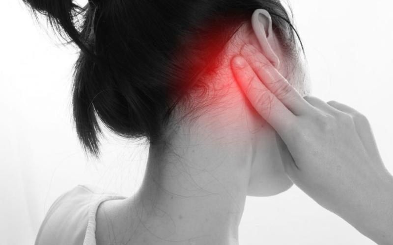 ماهي أعراض التهاب الأذن الداخلية